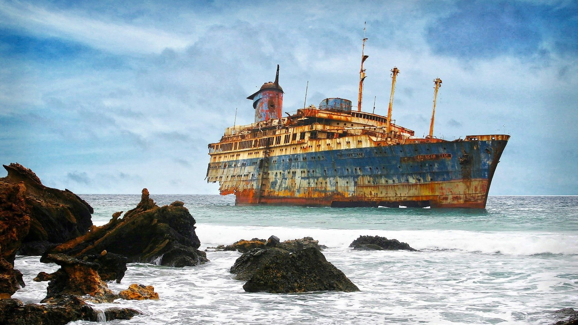 Titanic Ship Wallpaper ①