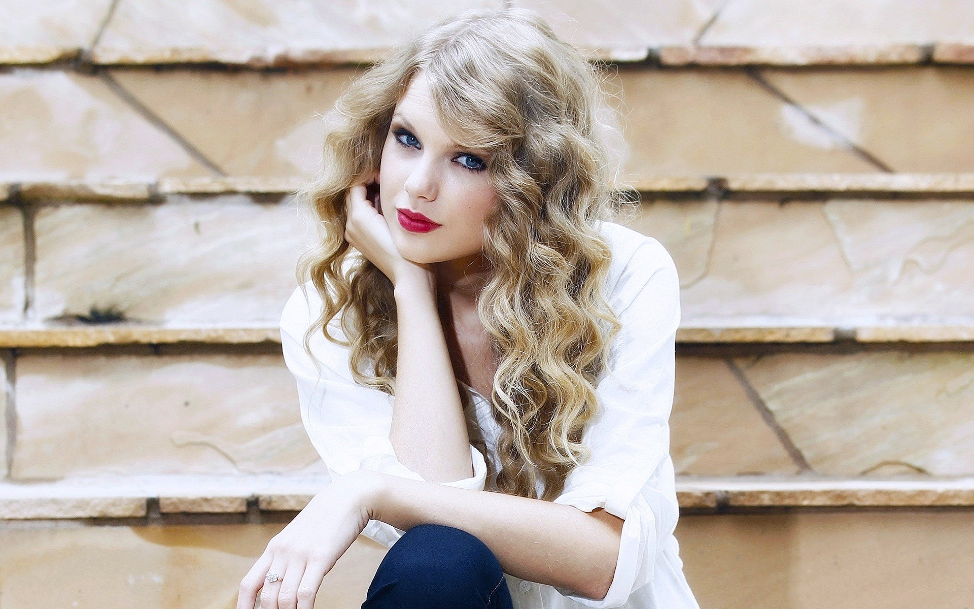 taylor Get the latest news about celebrities, royals, music, tv, and real people find exclusive content, including photos and videos, on peoplecom.
