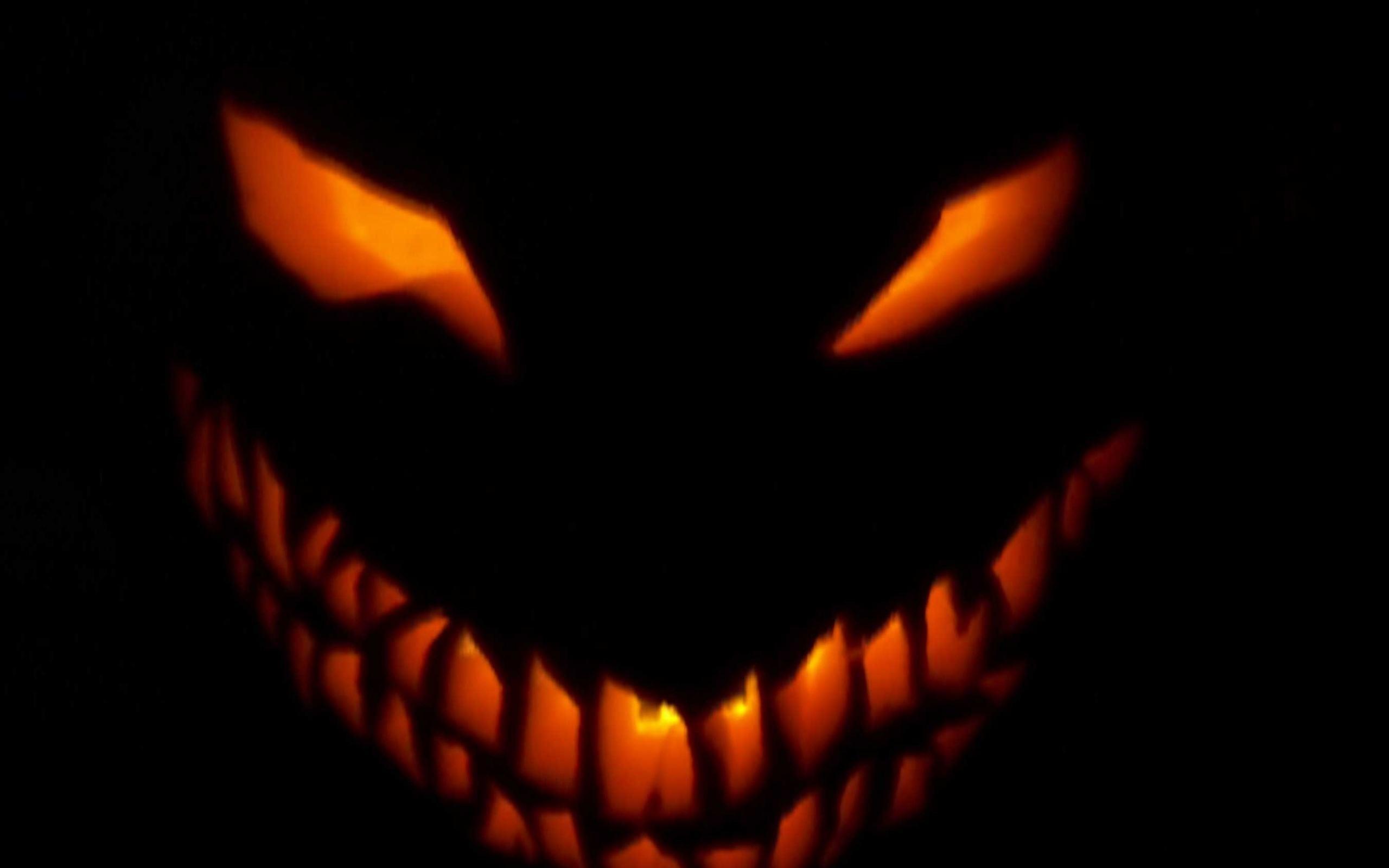 halloween eyes that follow you