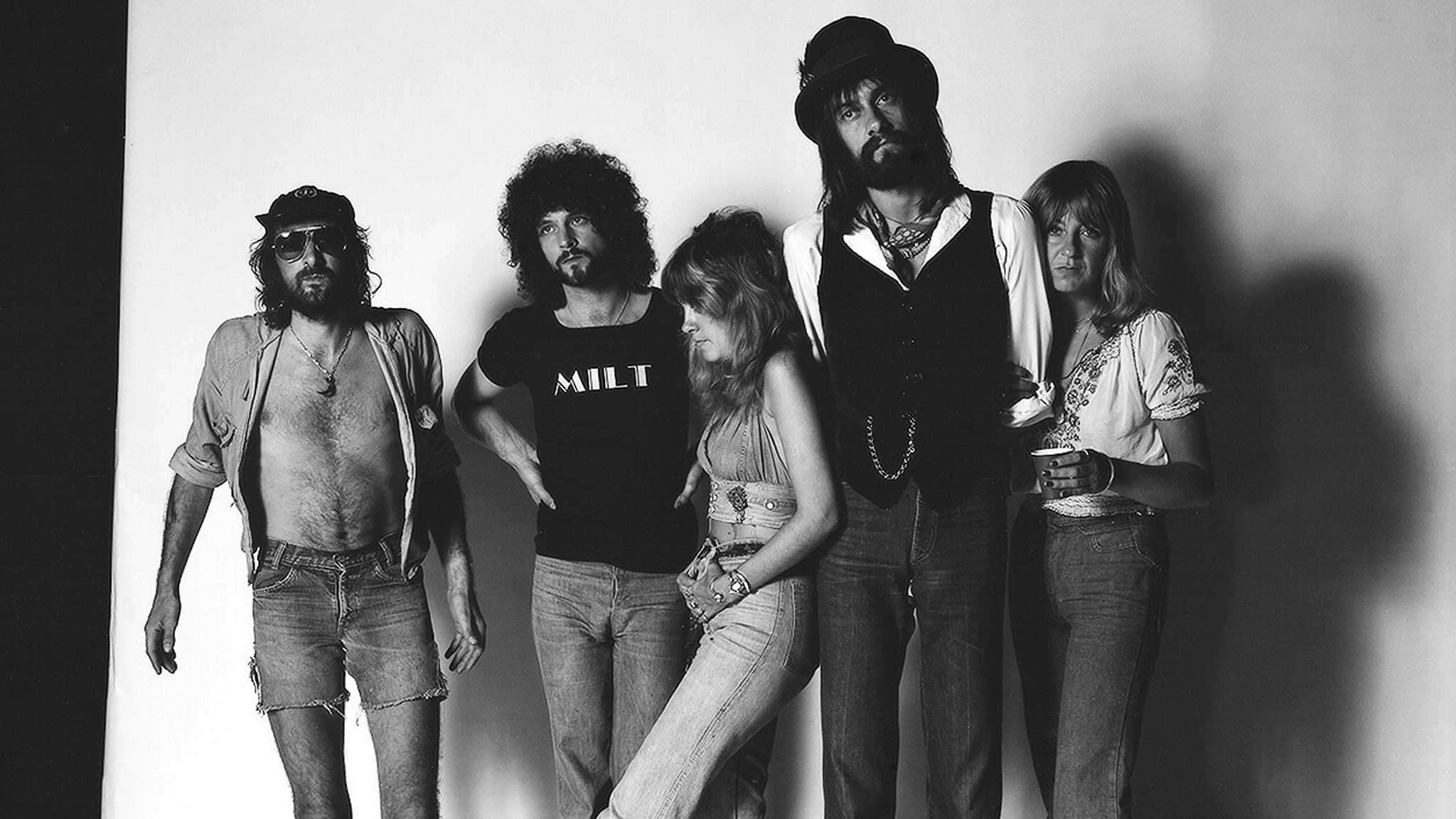 fleetwood mac The revamped fleetwood mac made their debut in an unlikely place, but it's clear the band is ready for a new era after parting ways with longtime bandmate lindsey buckingham earlier this year the legendary band, which includes longtime members mick fleetwood, stevie nicks, john mcvie, and.