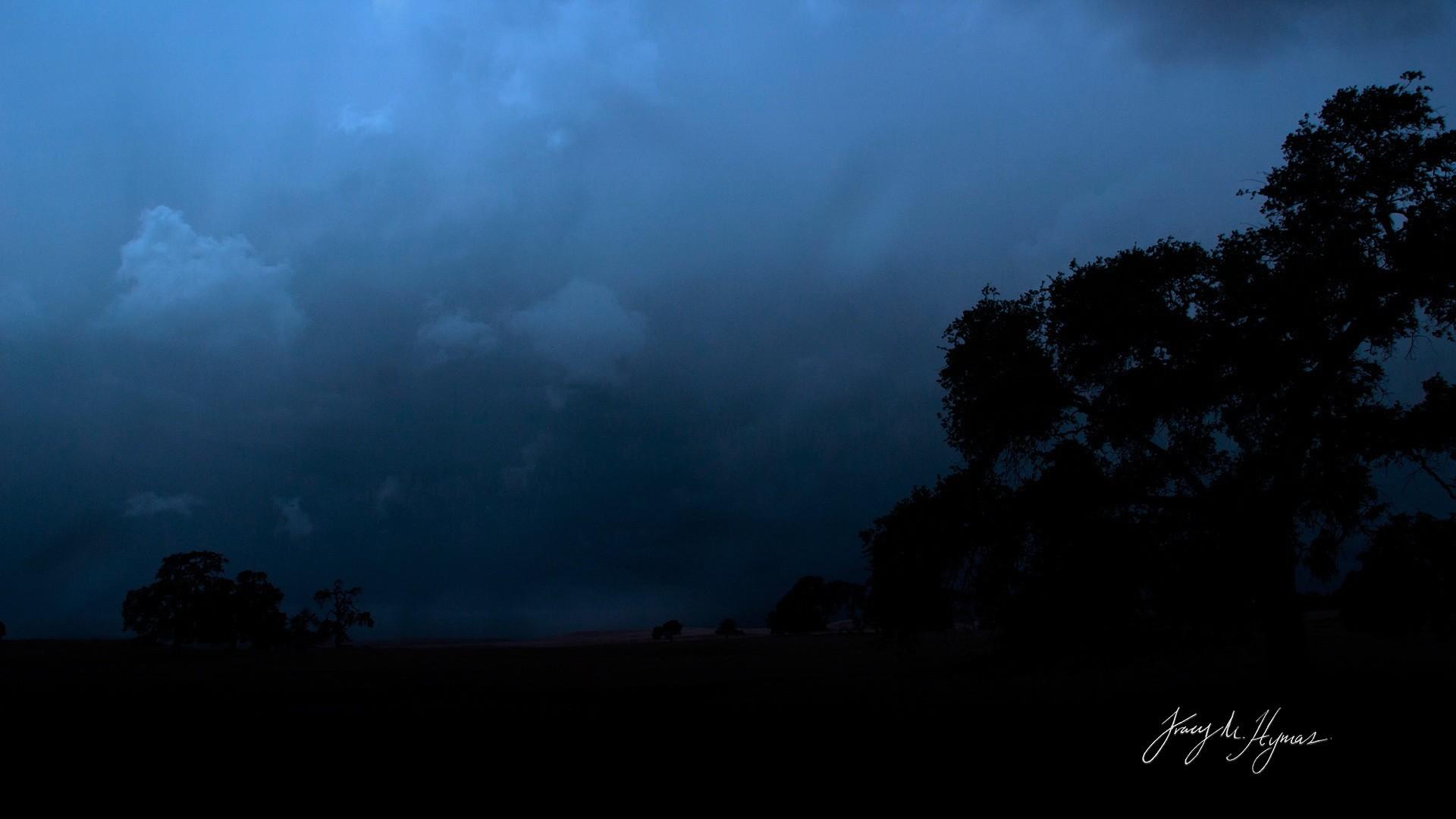 dark skies wallpaper ·①