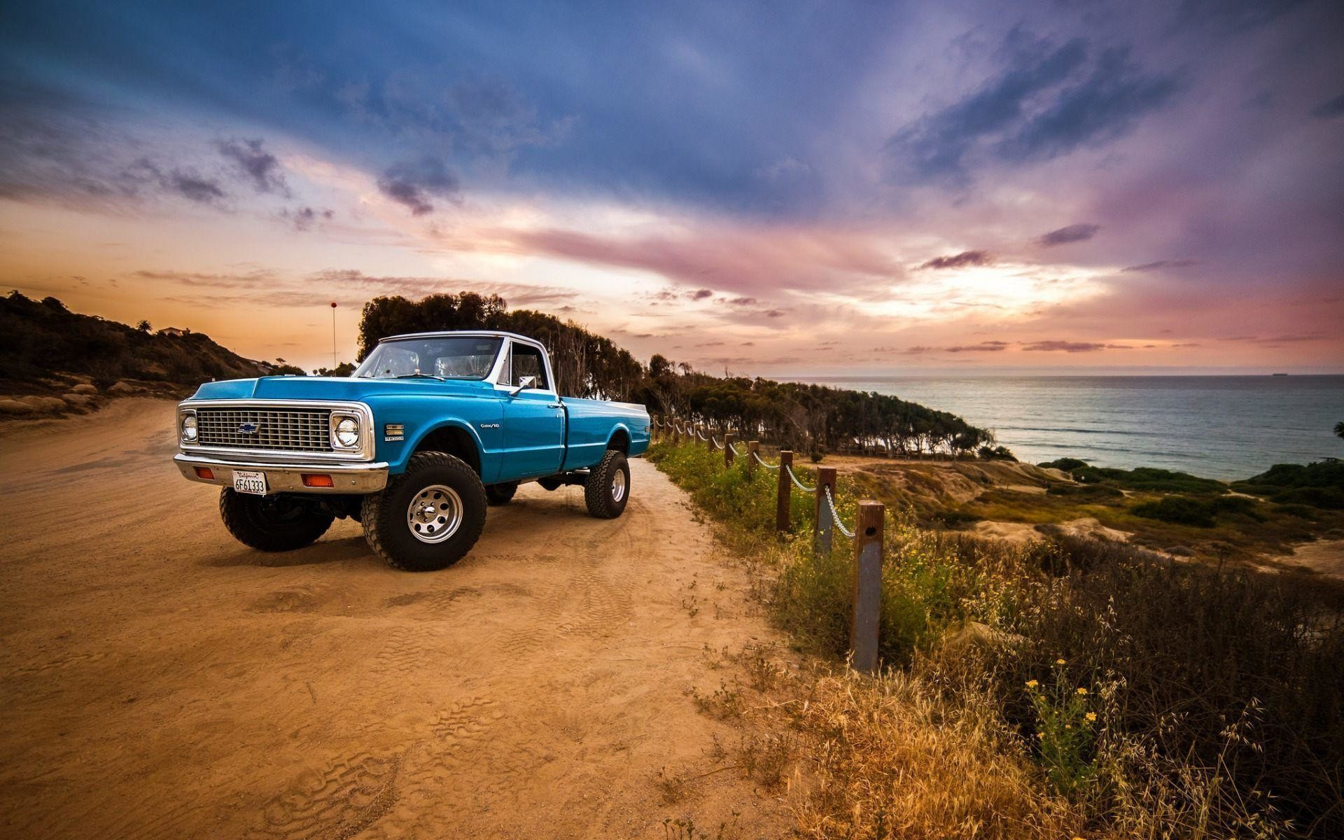 Old Trucks Wallpapers