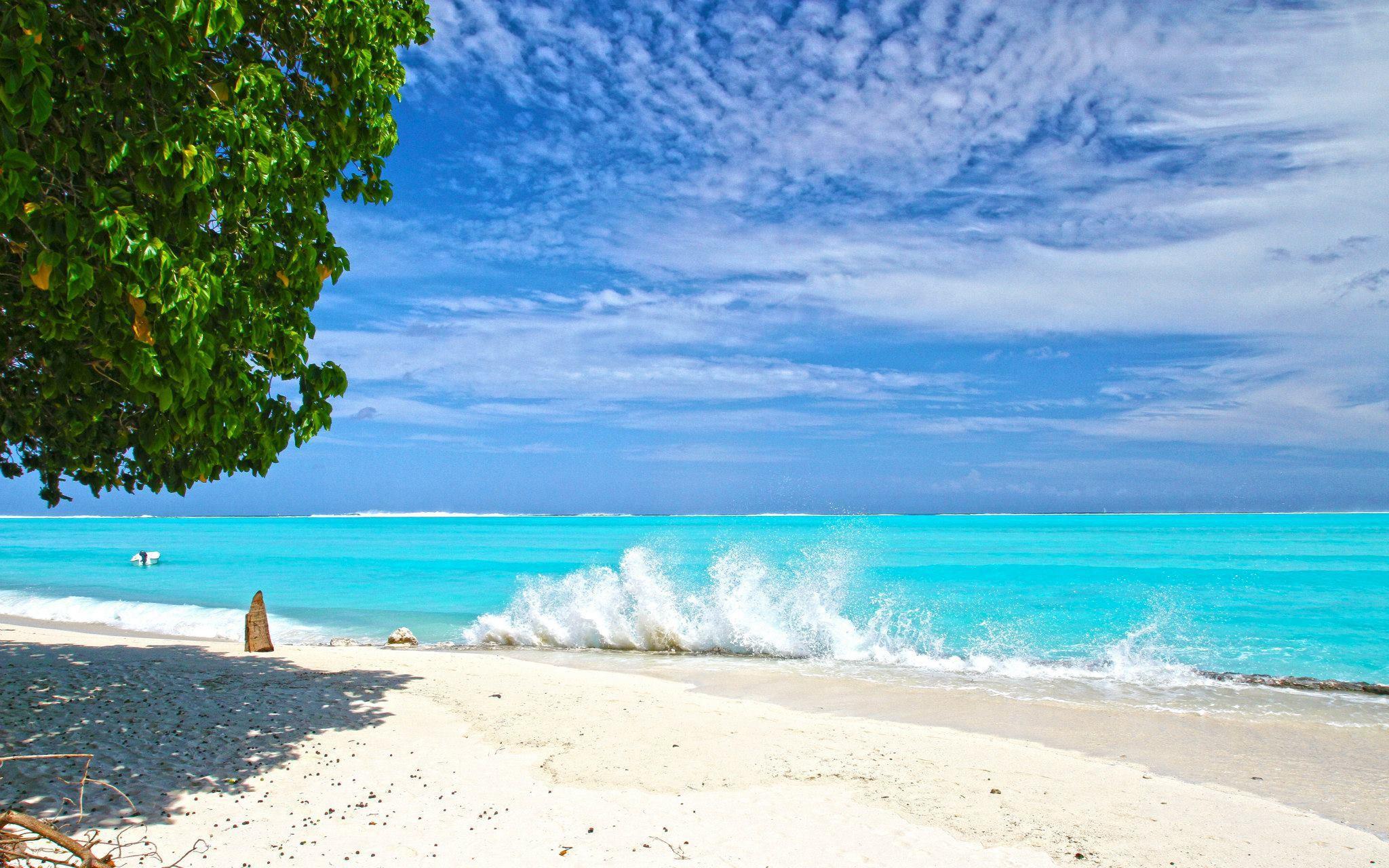 вывели фото море и пляж на рабочий стол остальное