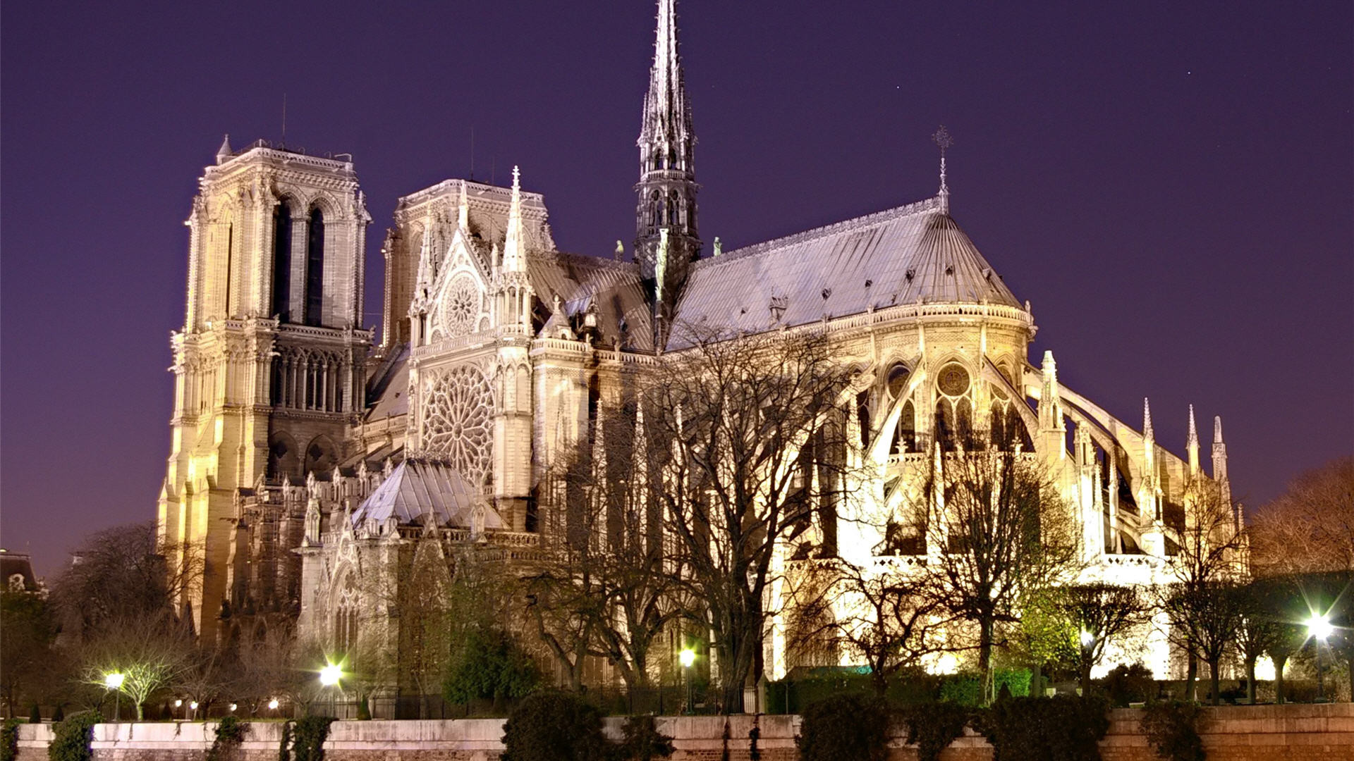 Notre Dame Cathedral Wallpaper ·①