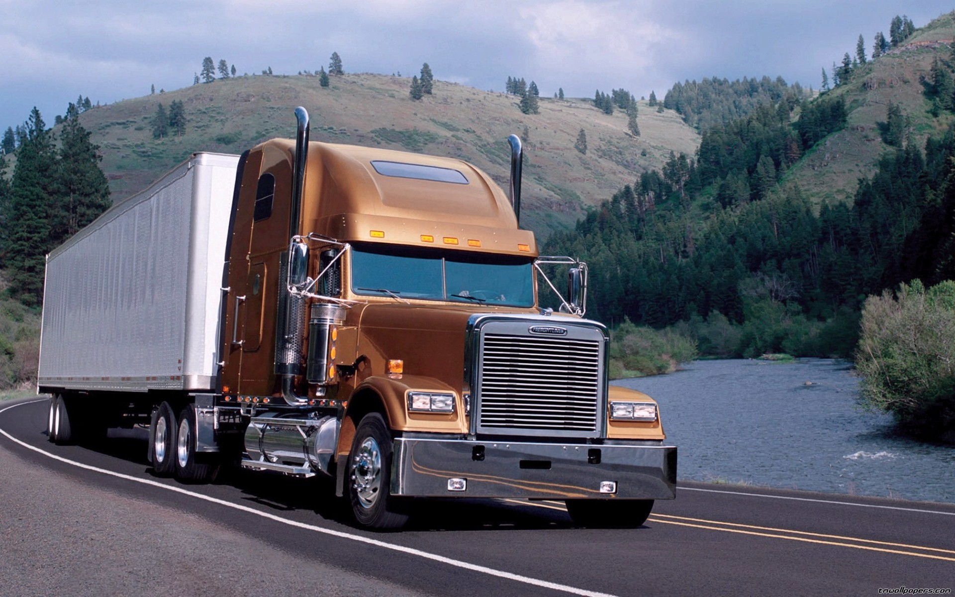 Big Truck Wallpaper ①