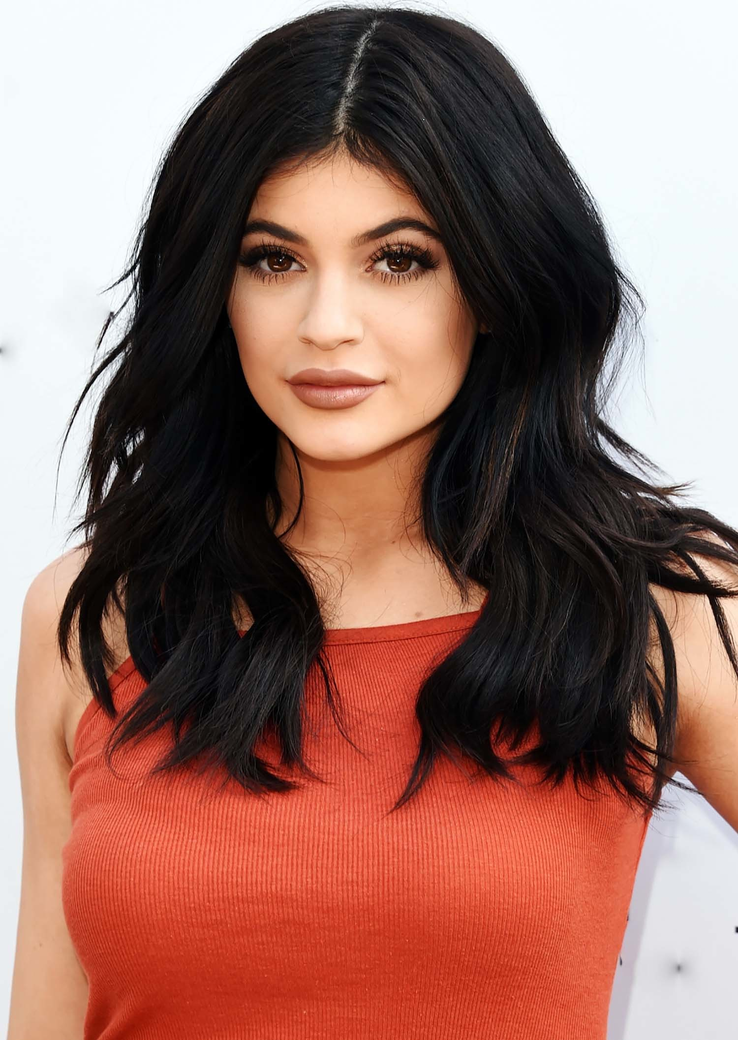 Kylie Jenner Arrives On The Red Carpet At Our Balmain X H: Kylie Jenner Wallpapers ·①