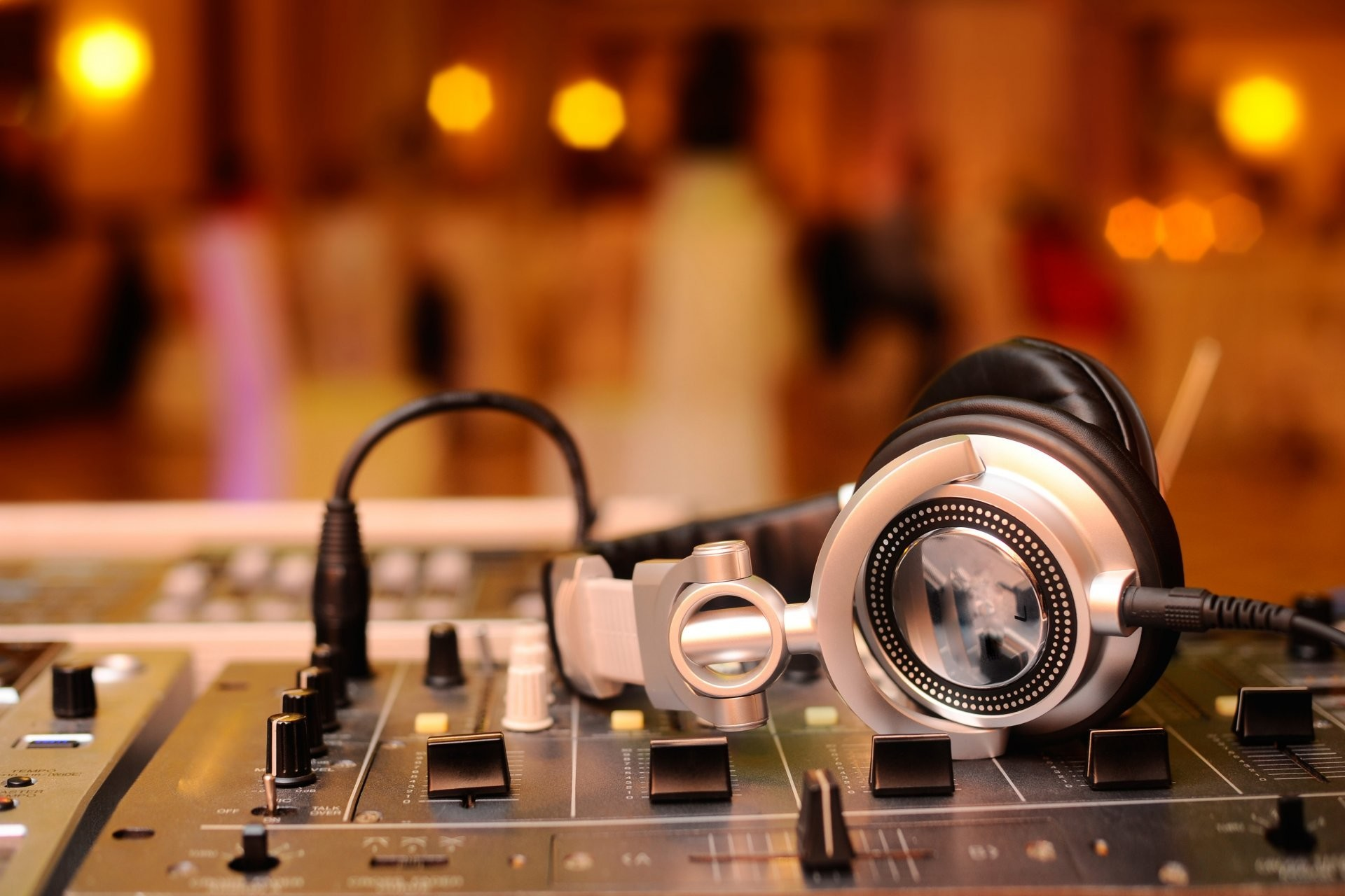 Must see Wallpaper Music Party - 698004-large-amplifier-wallpapers-1920x1280-pictures  Photograph_96381.jpg