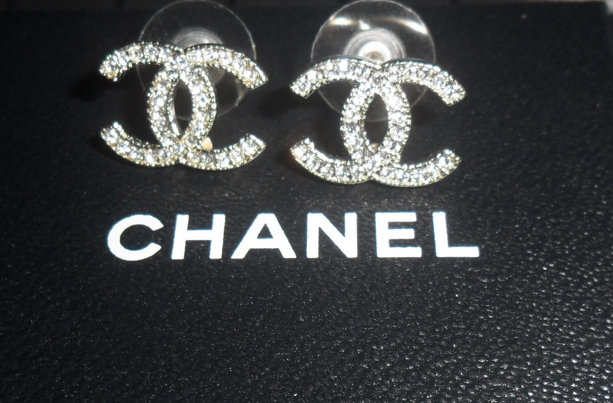 Chanel Logo Wallpaper 1