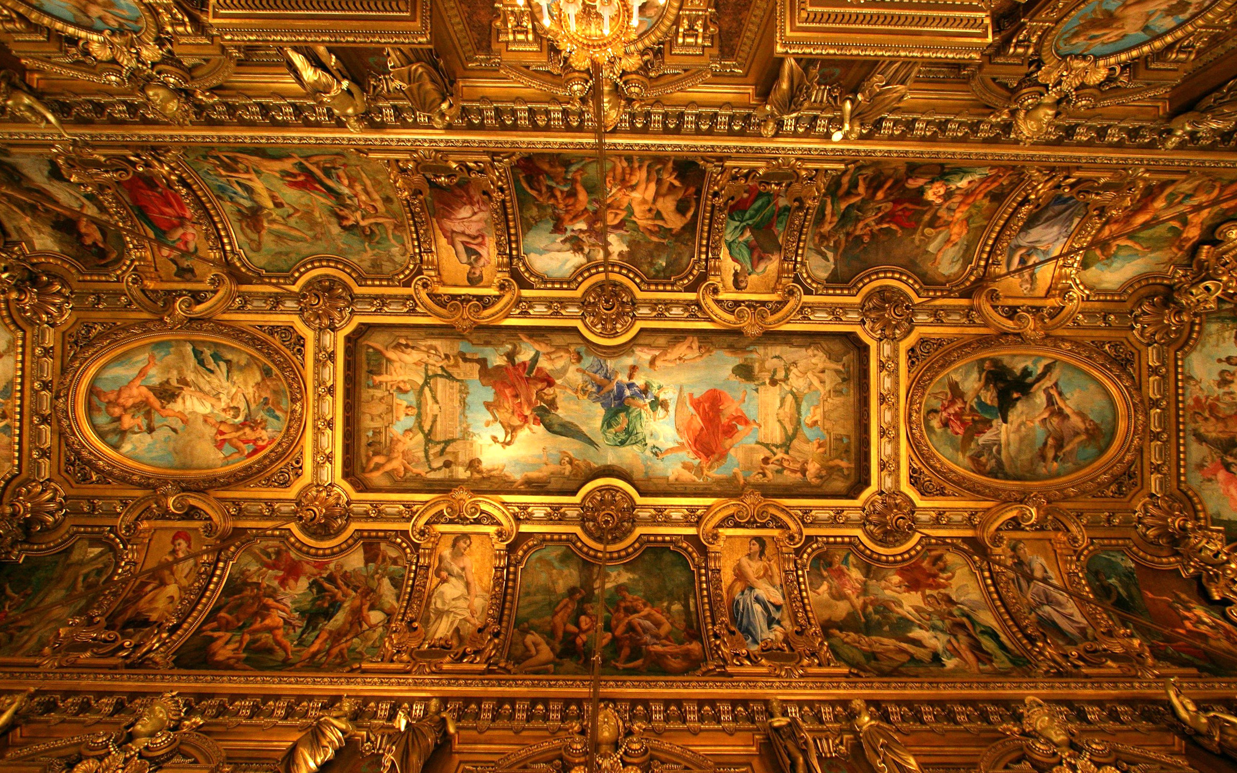 Which Famous Artist Painted The Ceiling Of The Sistine Chapel