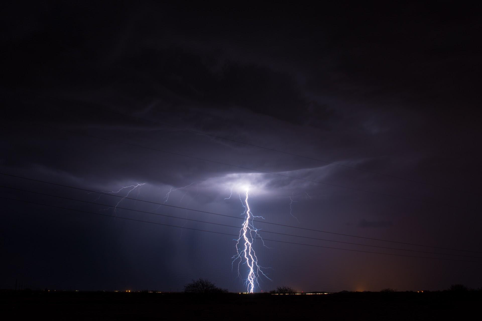 lightning bolt wallpaper 183��