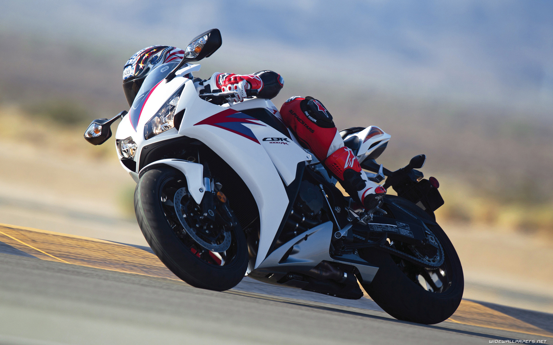 спортивный мотоцикл Honda  № 3935574 загрузить