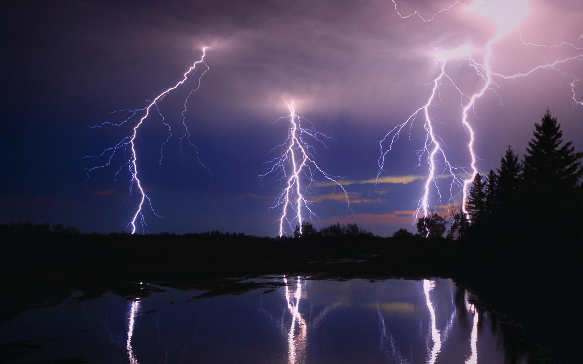 Lightning bolt background wallpapertag - Lighting strike wallpaper ...