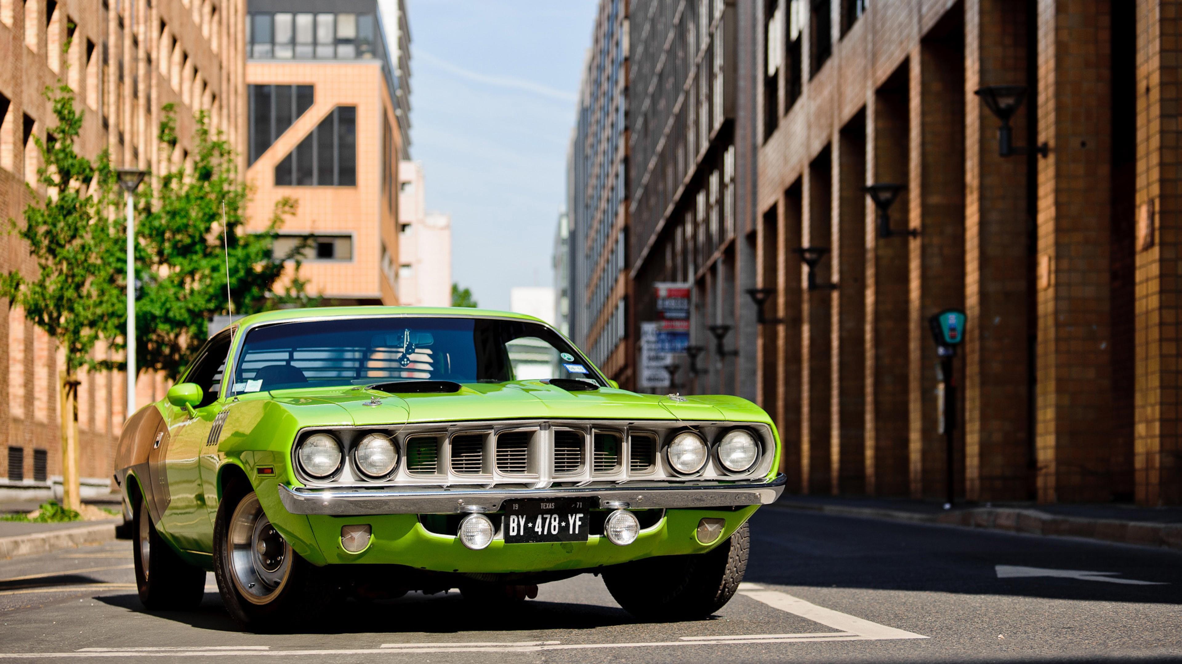 зеленый автомобиль plymouth cuda  № 3131831  скачать