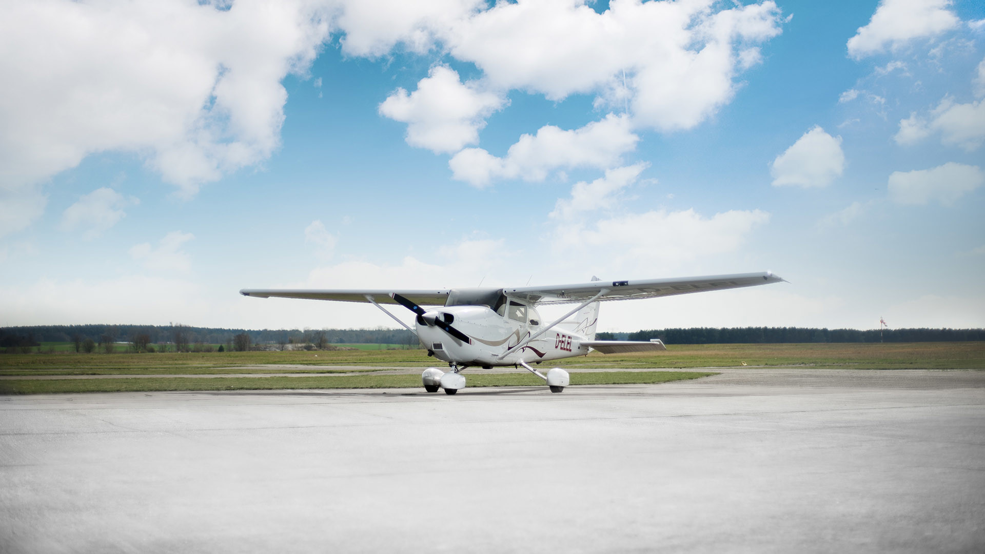 Cessna Wallpapers 183 ①