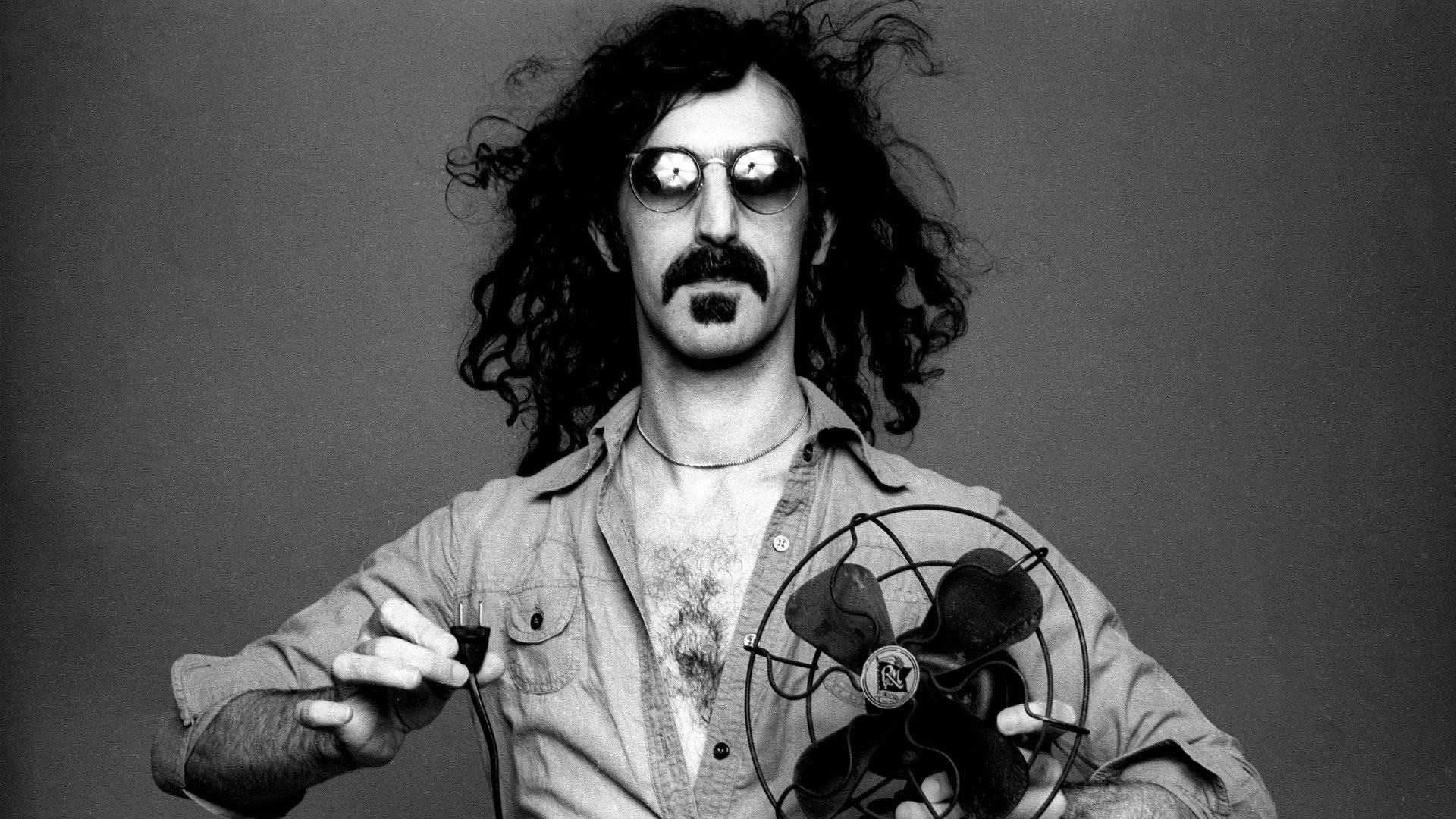 frank-zappa-conks-gaping-asshole