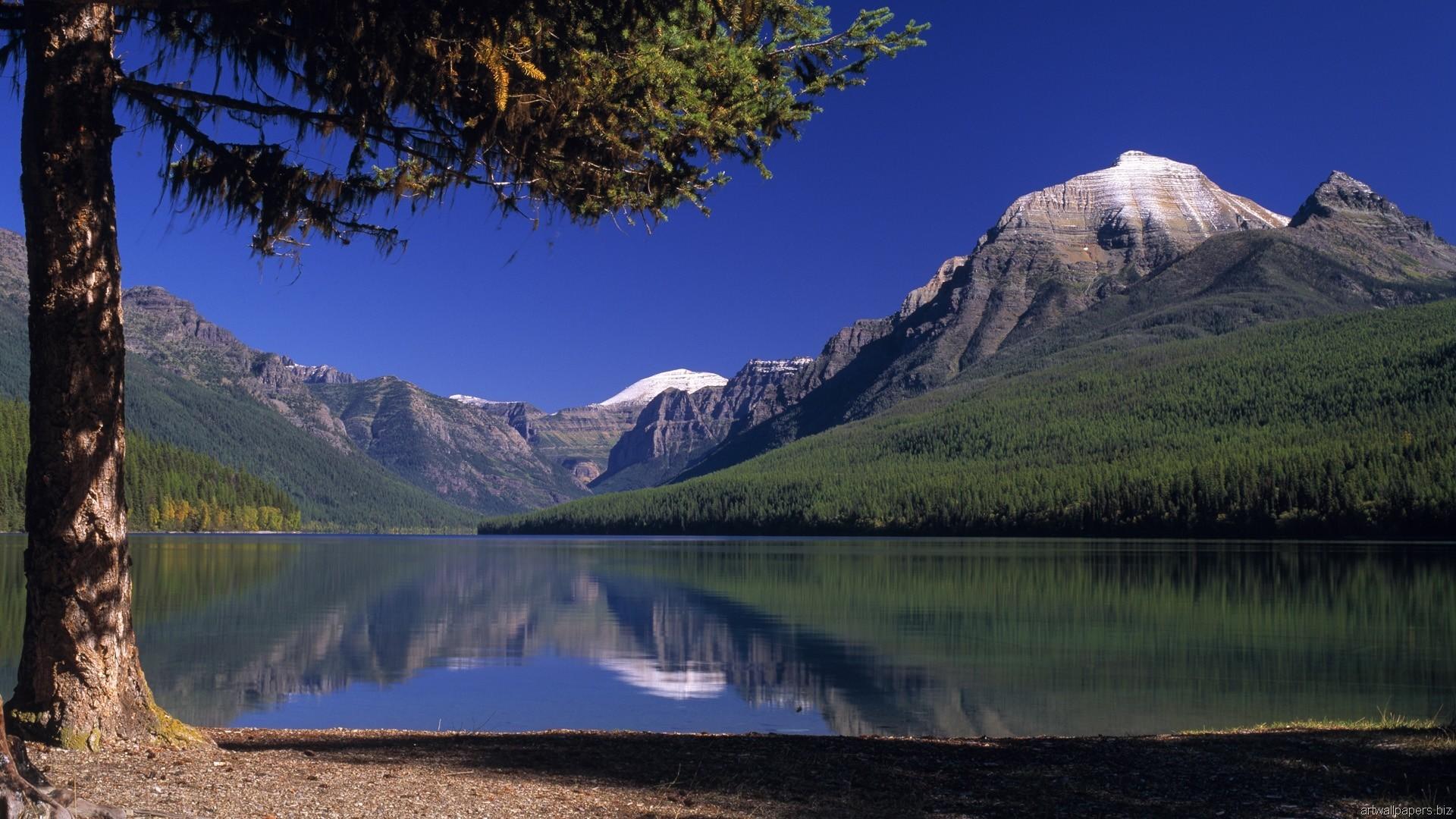 Горы и озеро  № 861480 бесплатно