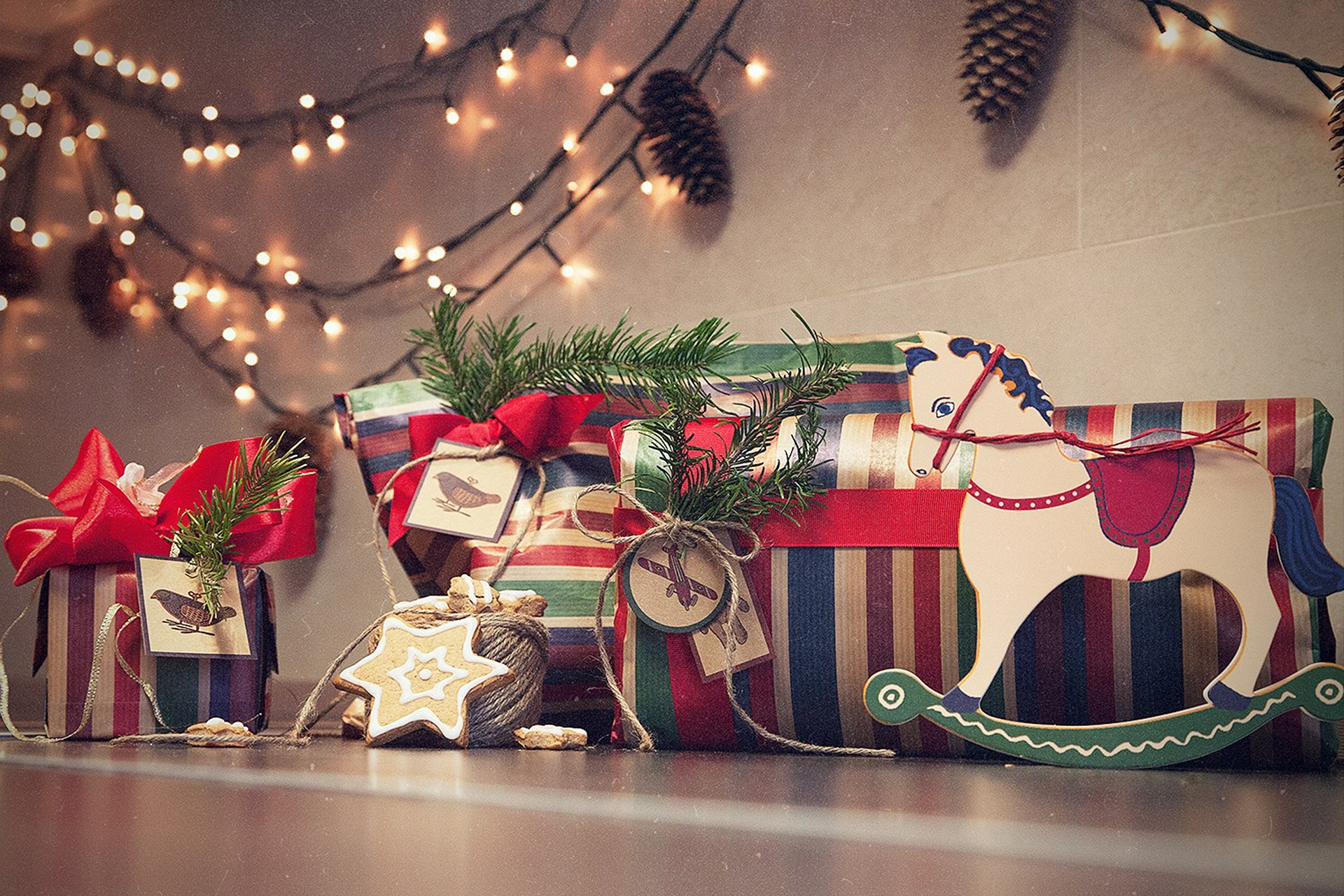 Vintage Christmas background ·â'  Download free stunning wallpapers