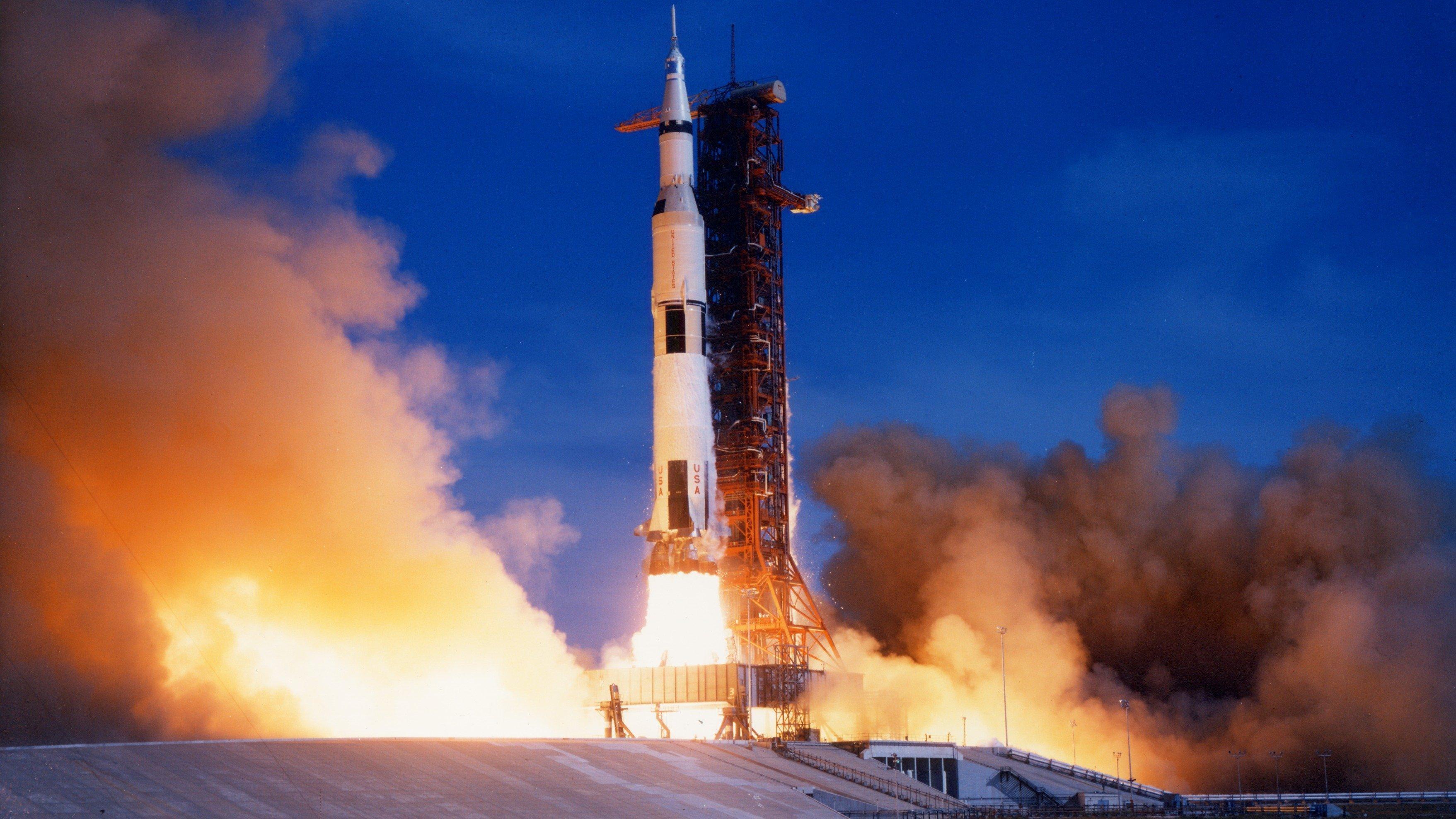 future rocket launching video - HD2560×1600