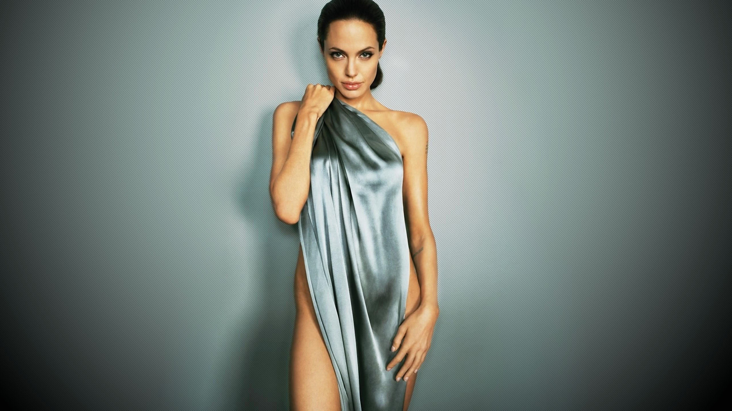 Angelina jolie naked wallpaper — pic 13
