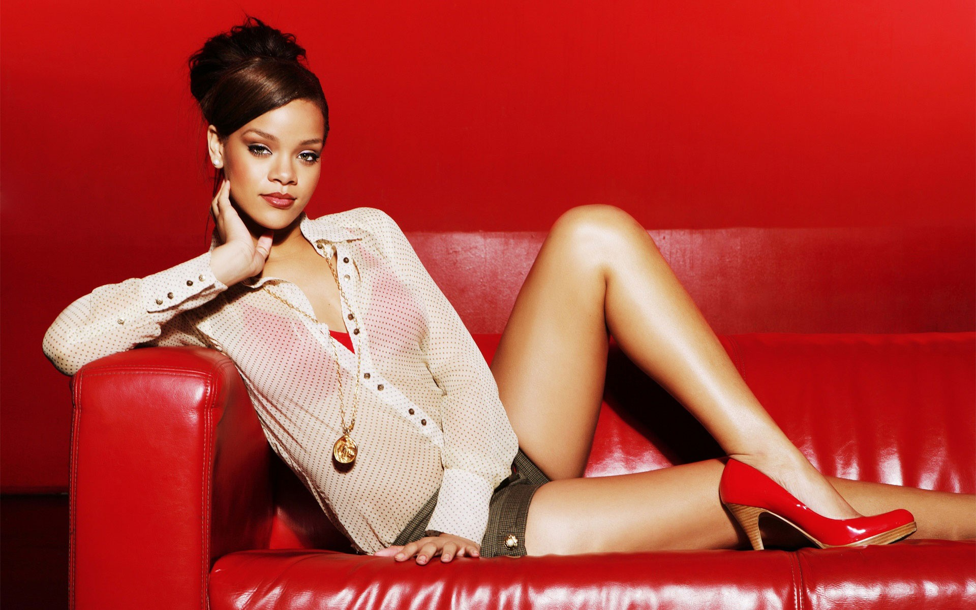 Rihanna wallpaper download free awesome hd wallpapers of 1920x1200 rihanna wallpapers hd download voltagebd Gallery