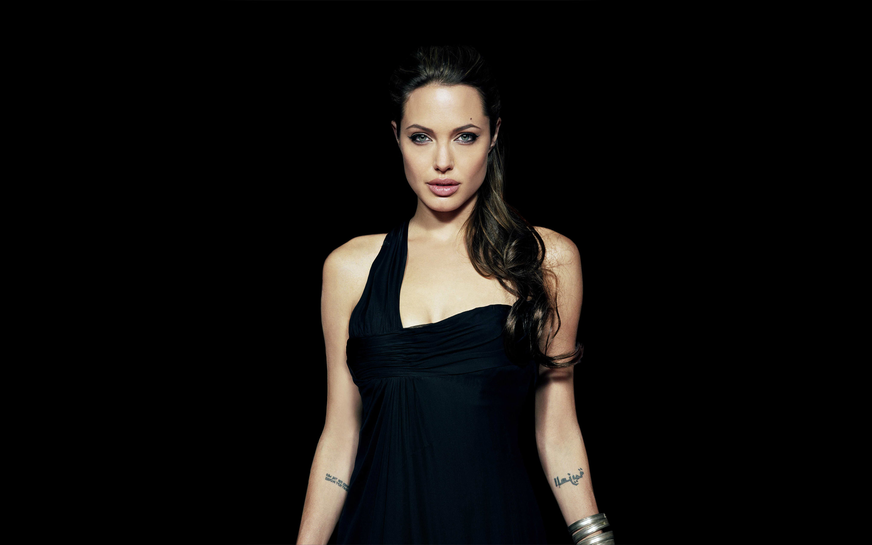 Angelina jolie wallpaper wallpapertag - Free wallpaper celebs ...
