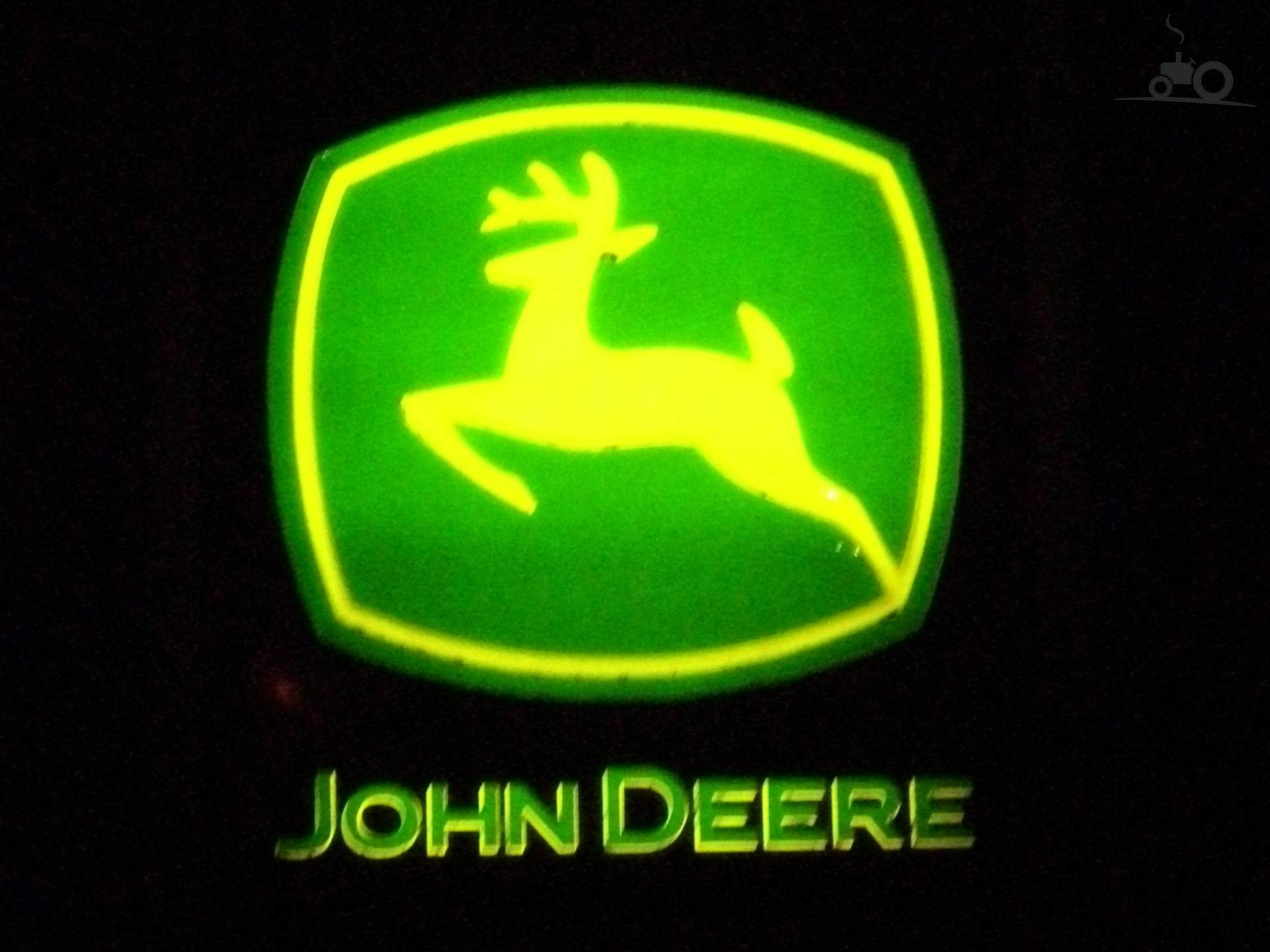 1920x1440 John Deere Emblem - John Deere Store