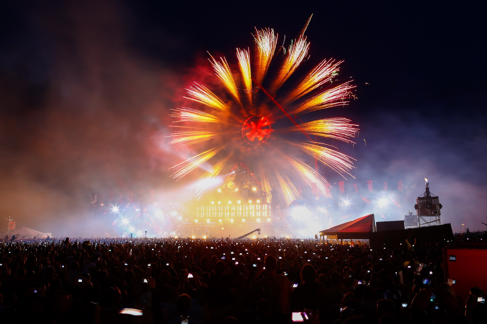 Concert background download free cool full hd - Concert crowd wallpaper ...