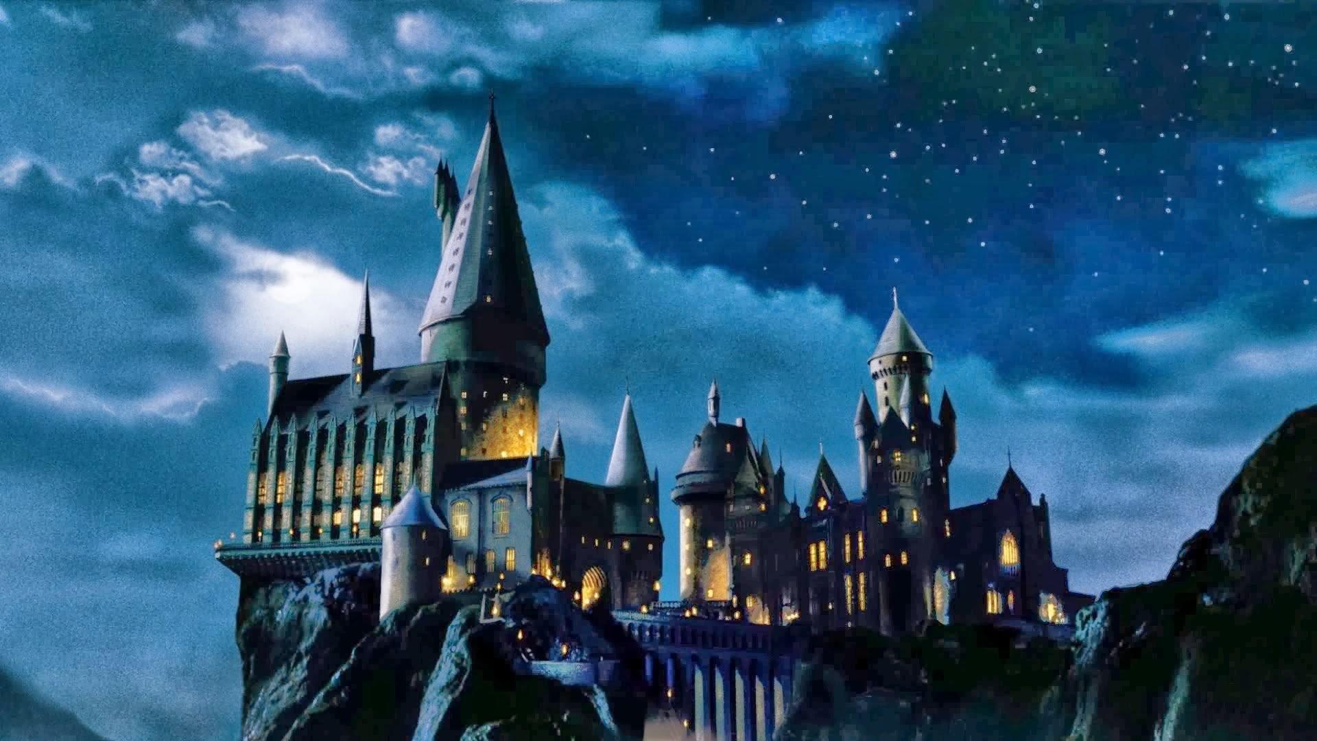 Hogwarts Castle Wallpaper ①