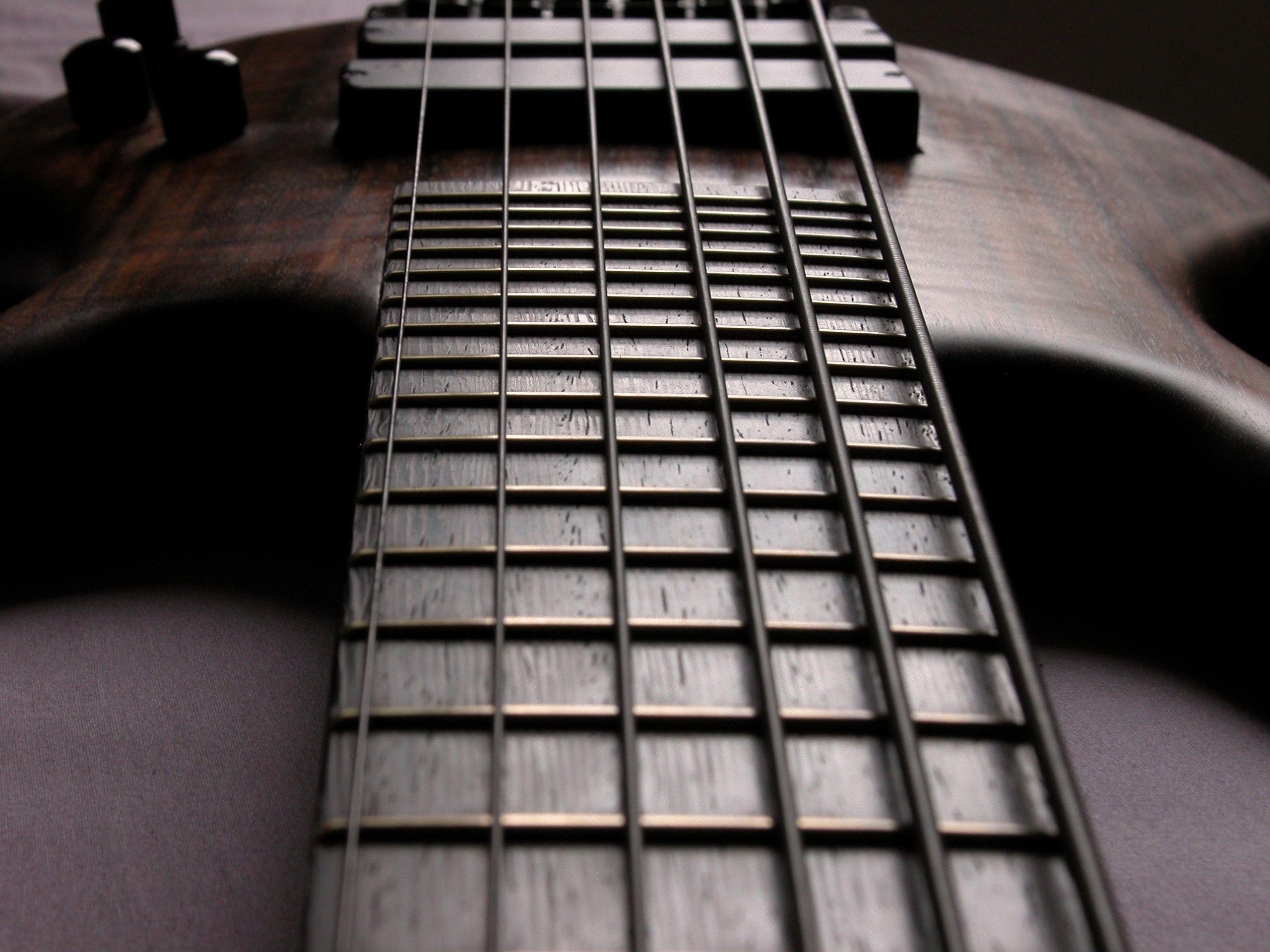 2560x1920 Bass Guitar Wallpapers Download Cool
