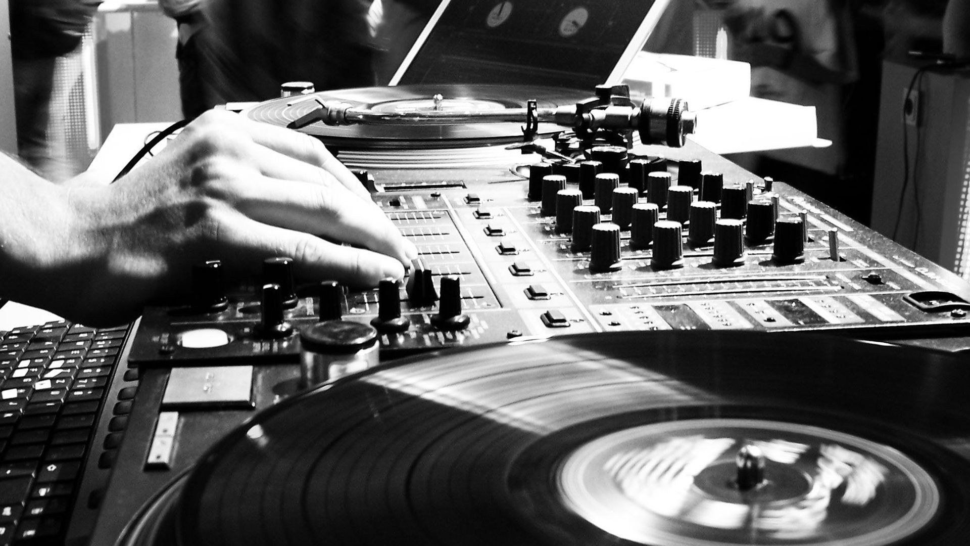 Music Wallpaper For Ipad: DJ Wallpaper ·① Download Free Full HD Wallpapers For