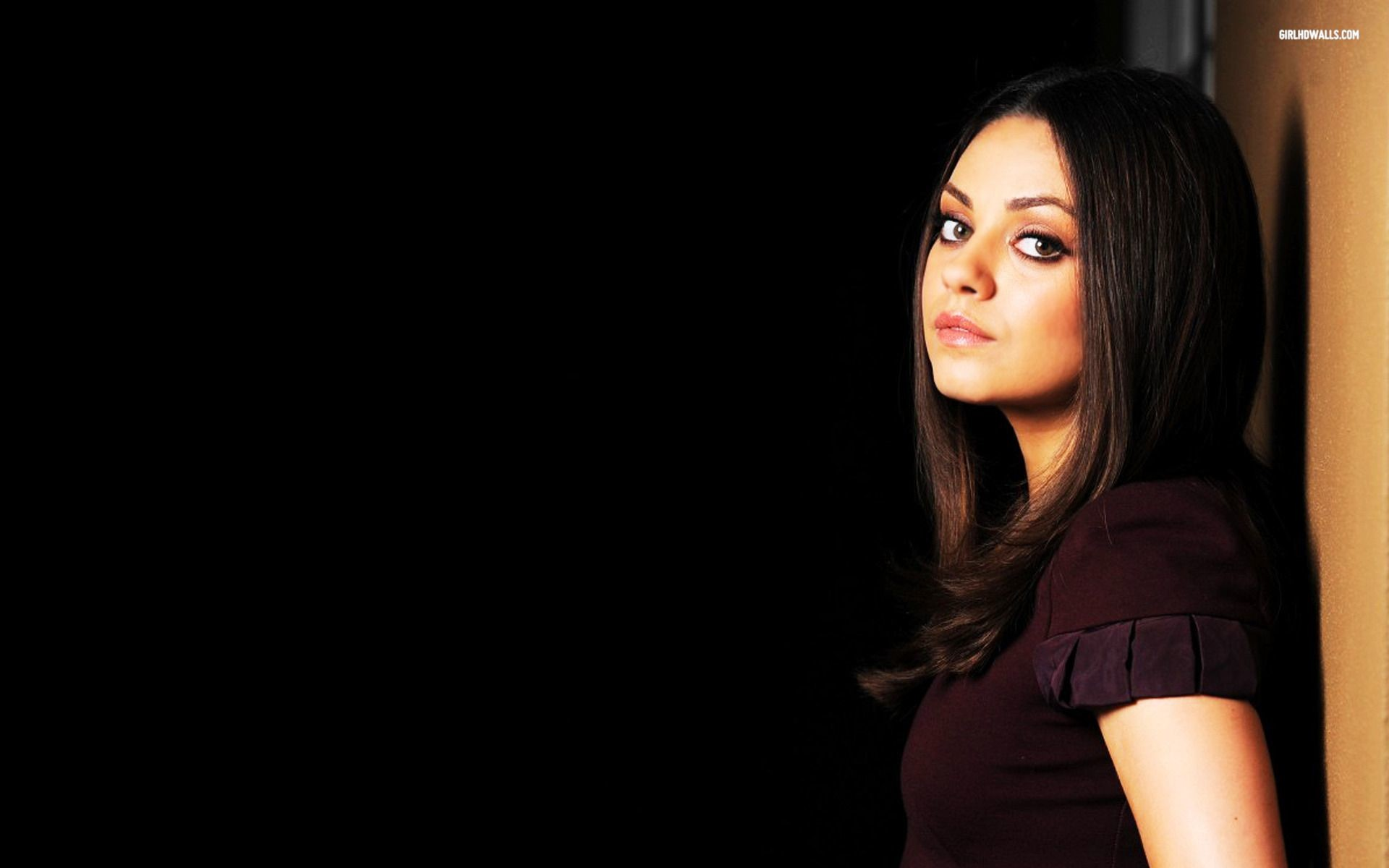 mila kunis wallpaper hd ·①