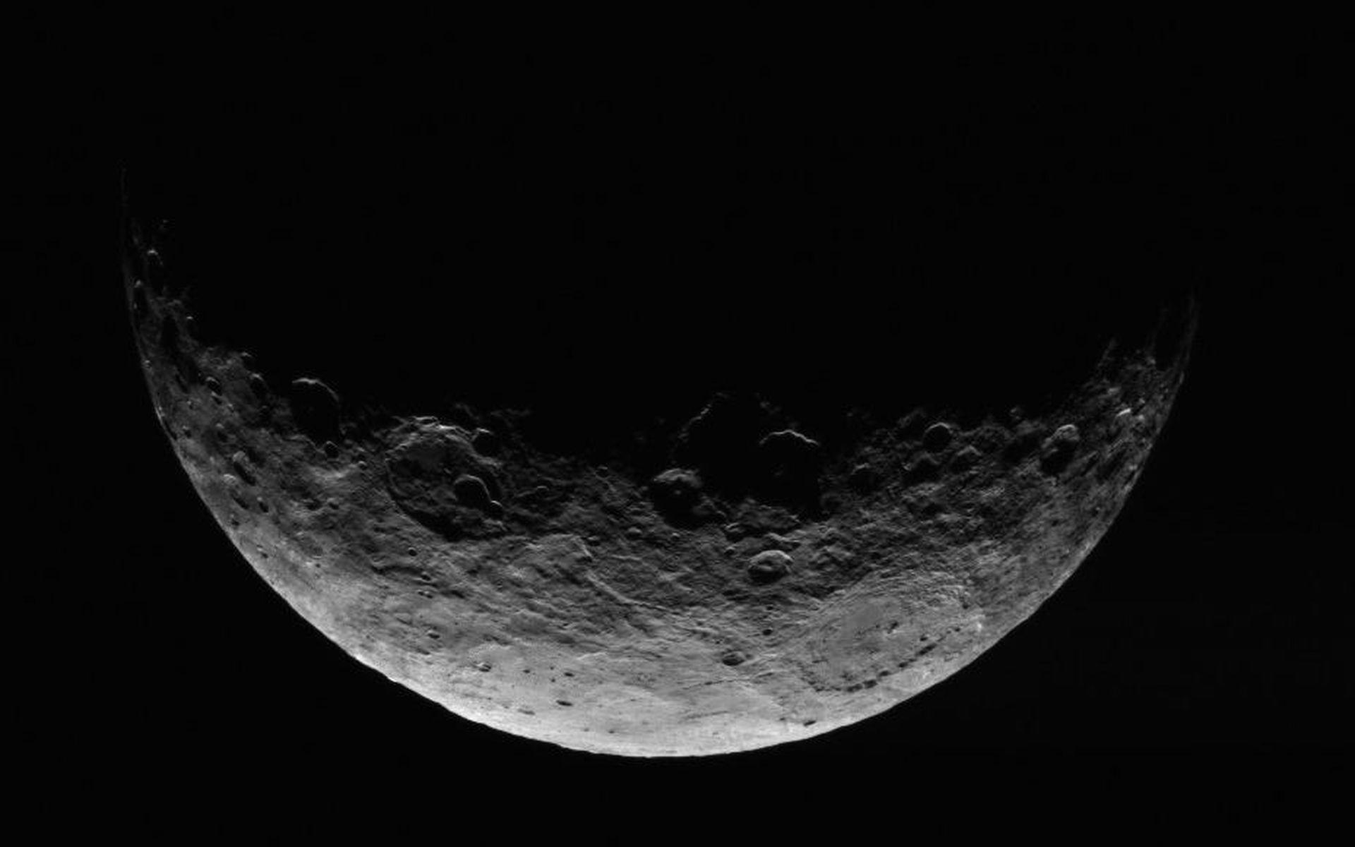 NASA Desktop Backgrounds ·①