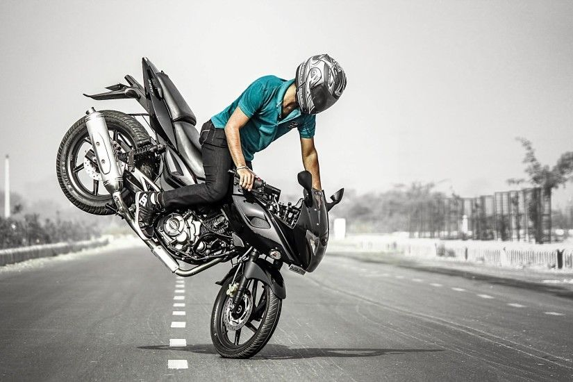 Bike Stunt Man on Road HD