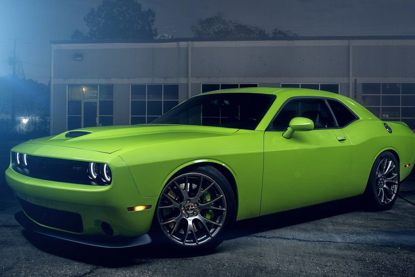Dodge Challenger SRT HellCat Green
