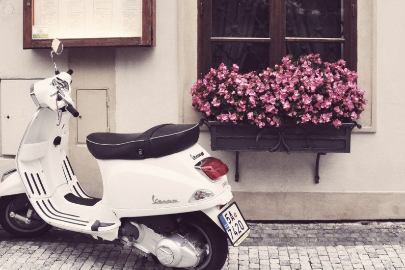 Preview wallpaper vespa, scooter, moped, flowers 1920x1080
