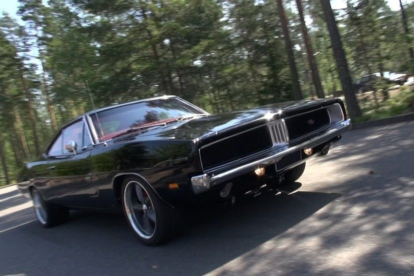 LOUD 1969 Dodge Charger R/T - amazing V8 sound!
