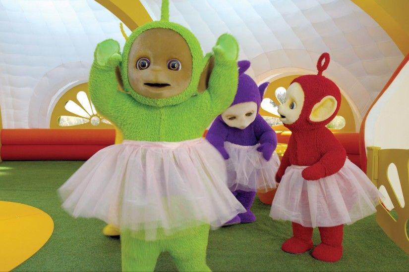 "Teletubbies USA on Twitter: ""Learn the color #purple w/ Tinky Winky & learn  #ballet w/ Dipsy on two NEW episodes - today on @NickJr (8am/7c). ..."
