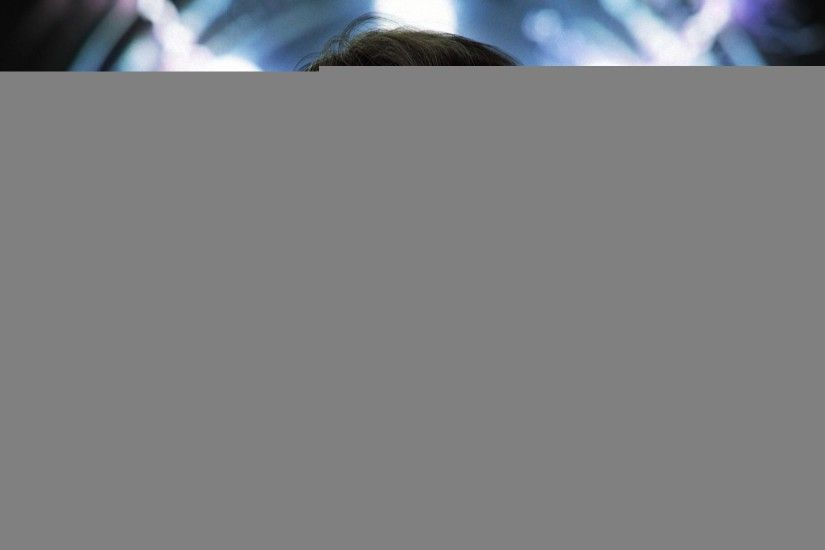 Arnold Schwarzenegger Nature Terminator T Feed Wallpaper