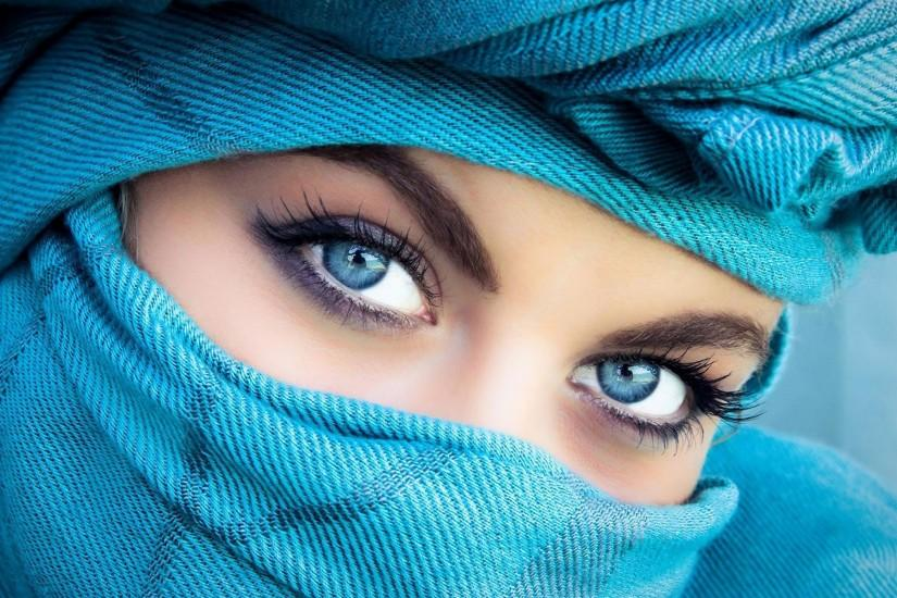Blue Eyed Girl Wearing A Veil