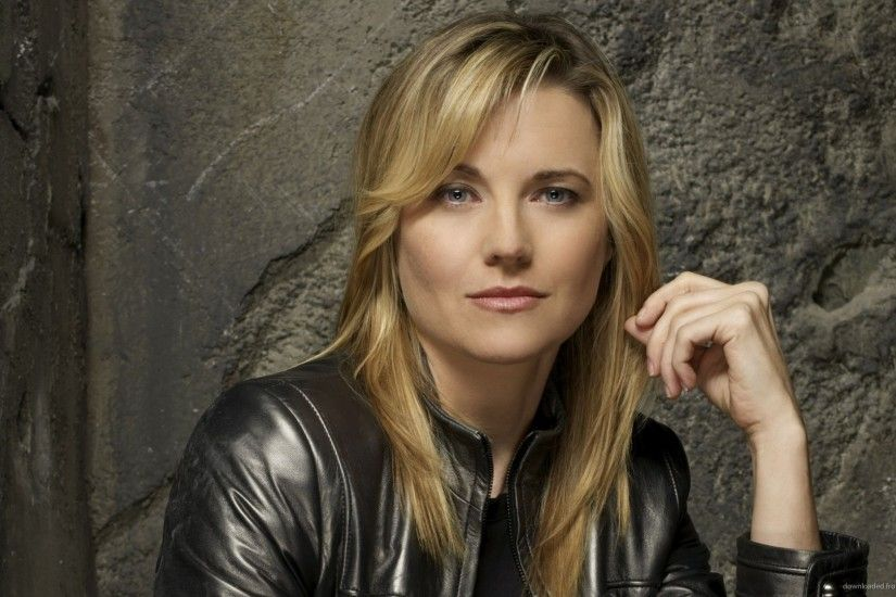 Lucy Lawless Celebrity Desktop Wallpaper picture