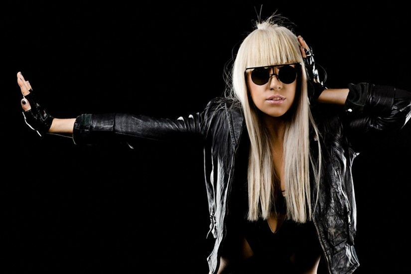 Preview wallpaper lady gaga, costume, image, hands, glasses 1920x1080