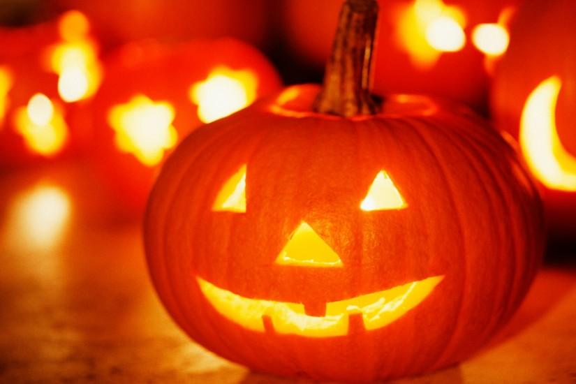 <b>Free</b> Screensavers <b>Wallpaper Halloween</