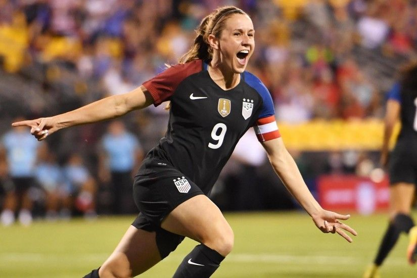 Heather O'Reilly, Megan Rapinoe share spotlight in U.S. rout