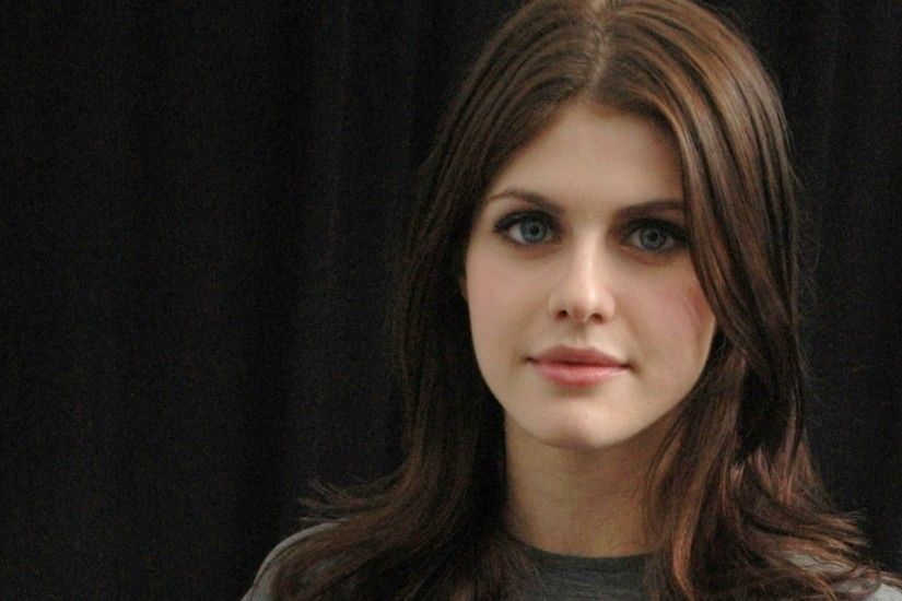 ... Alexandra Daddario HD Wallpaper #01086