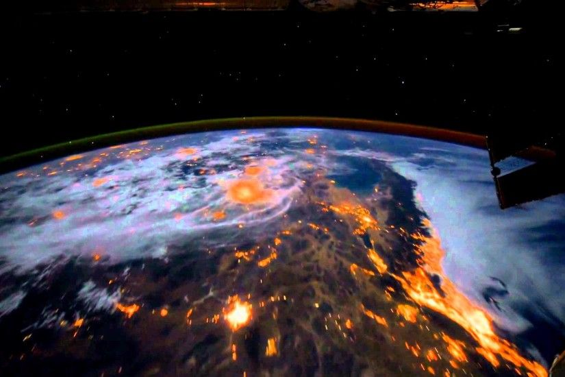 [Dreamscene] Animated Wallpaper - Earth View from the ISS - YouTube