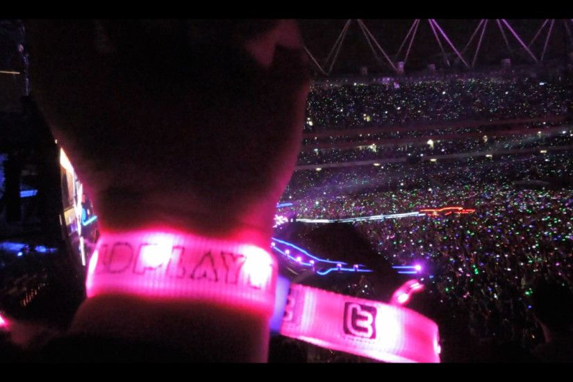 LED Wristbands Launched On Coldplay's Mylo Xyloto tour
