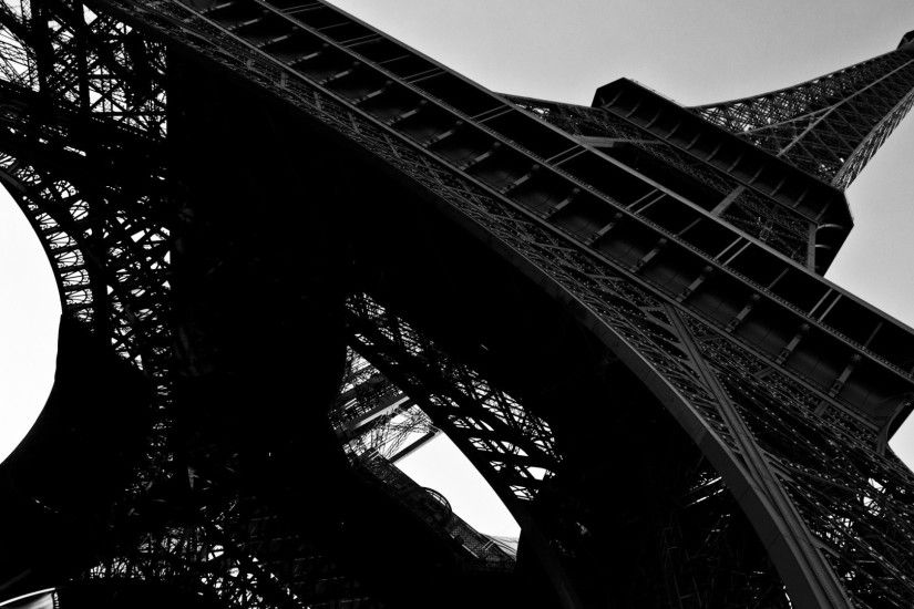Eiffel Tower Black And White Desktop Wallpaper