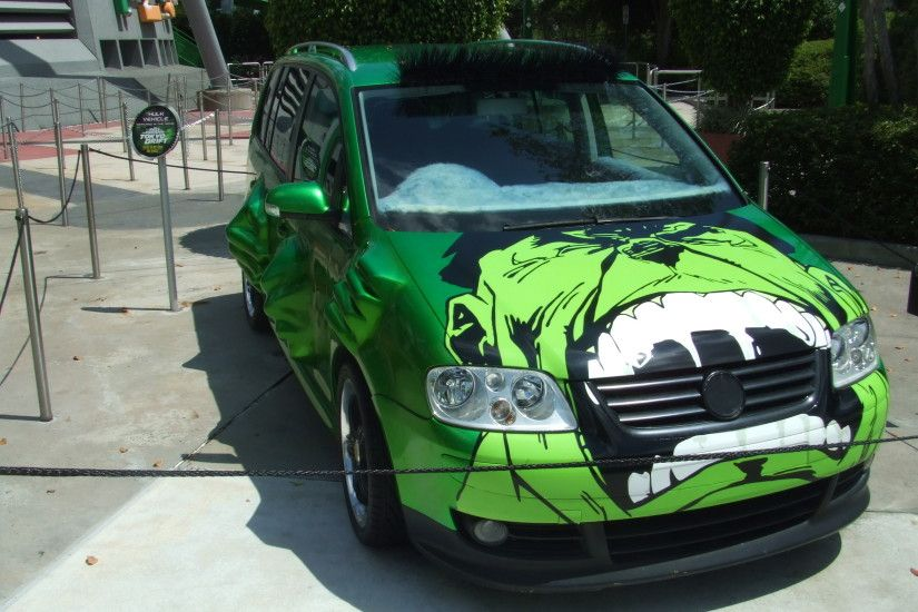 This is the car Bow Wow drives in the film. It is the most amazing thing.