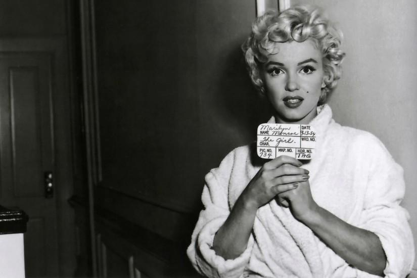 amazing marilyn monroe wallpaper 2100x1331 hd for mobile