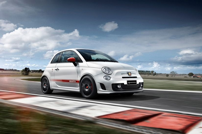 2016 Abarth 595 Yamaha Factory Racing Edition